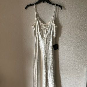 🕊 Lulu's Shimmery Formal Dress